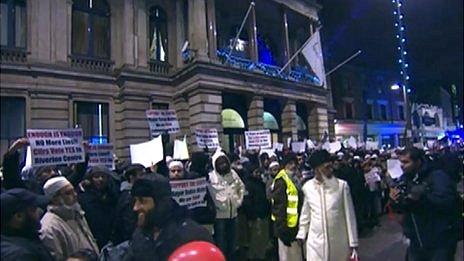Newham Town Hall TJ demonstration