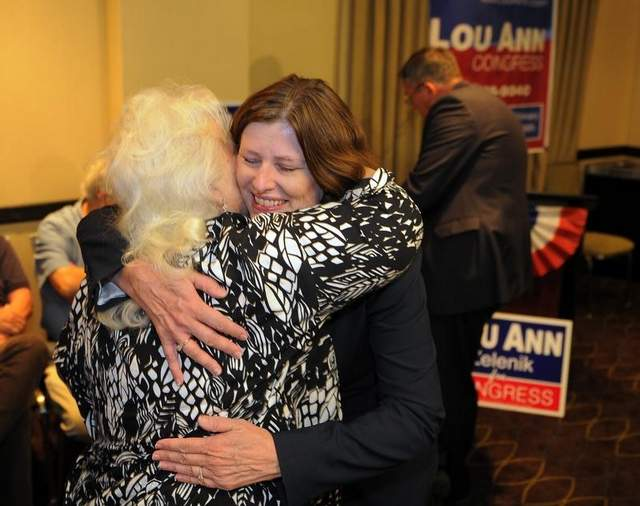 Lou Ann Zelenik defeated