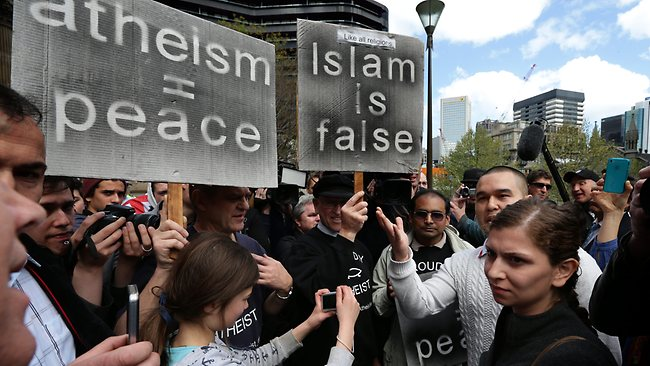 Melbourne anti-Islam rally (4)