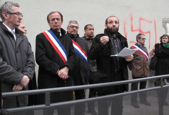 Voiron mosque protest