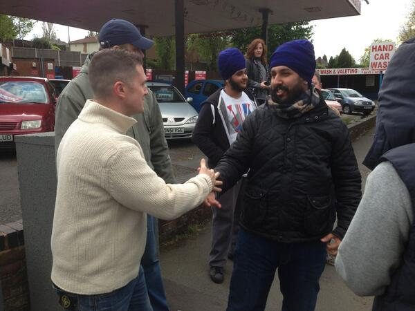 Stephen Lennon greets 'peaceful Sikhs' in Wolverhampton