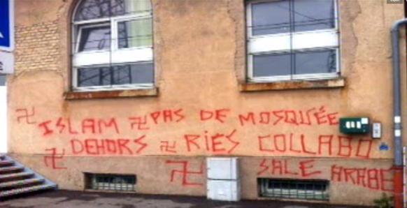 Strasbourg mosque fascist graffiti