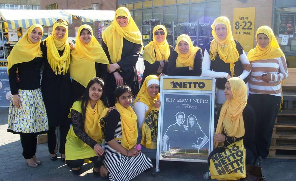 Netto hijab campaigners (2)