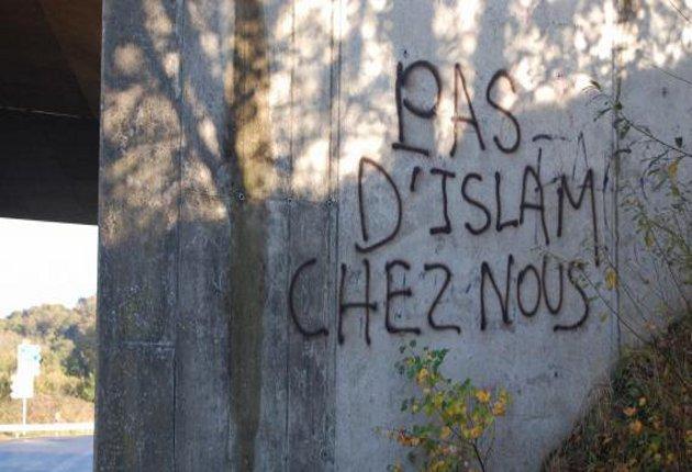 Avignon anti-Islam graffiti