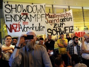 AJIS demonstration in Lucerne