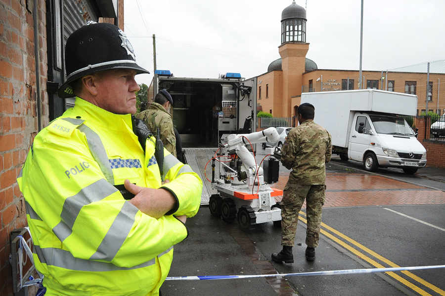 Aisha Mosque bomb disposal team