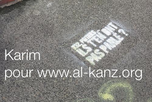 Amiens El-Feth mosque graffiti