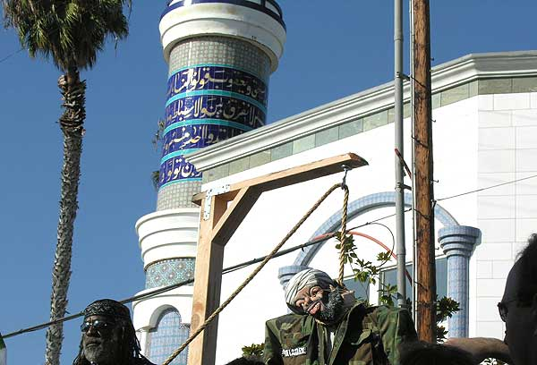 Bin Laden effigy hanged
