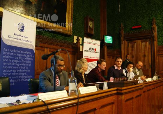 Cold War on British Muslims meeting platform
