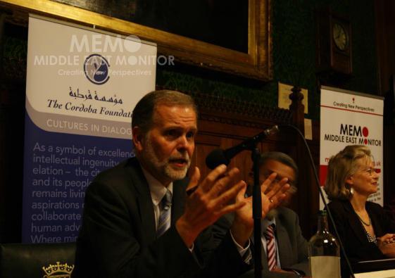 Cold War on British Muslims meeting platform2