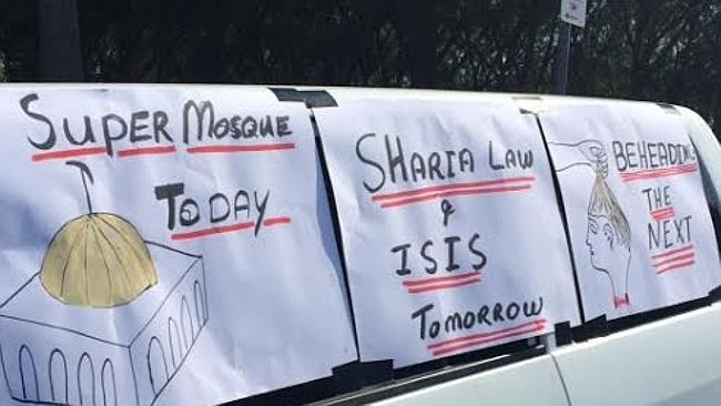 Currumbin anti-mosque protest