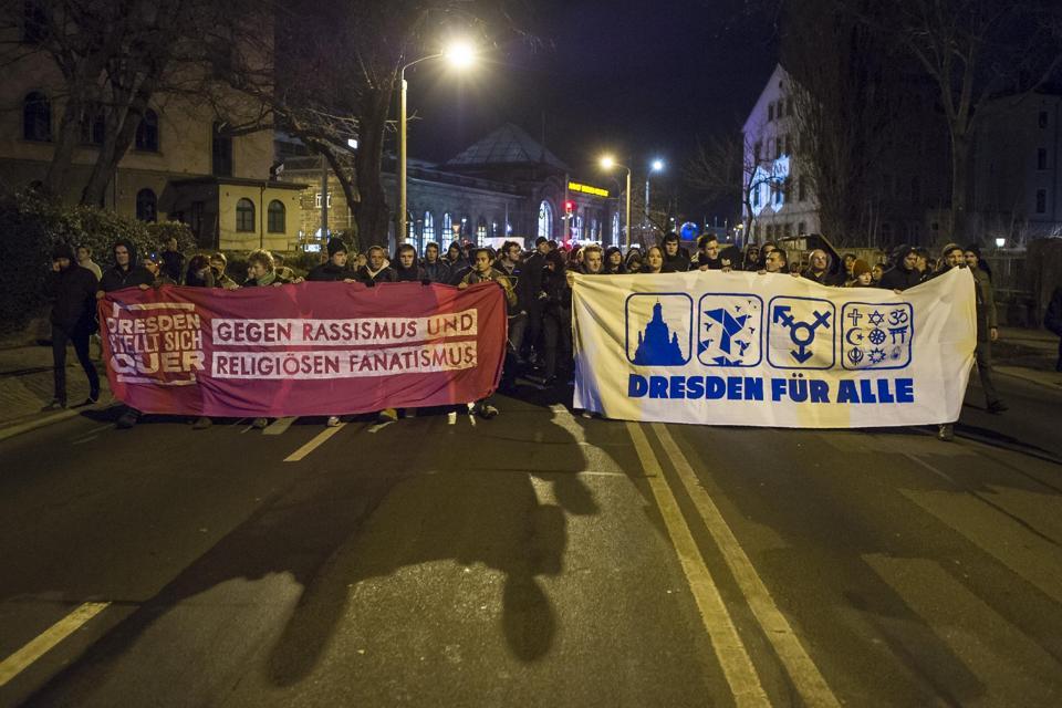 Dresden anti-PEGIDA banners