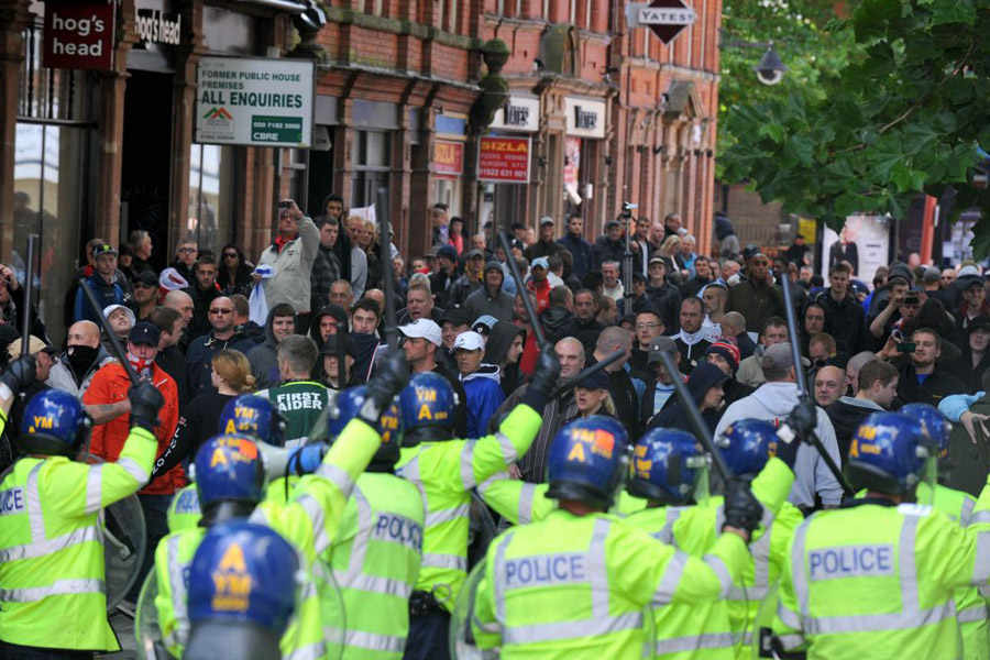 EDL Walsall protest (6)