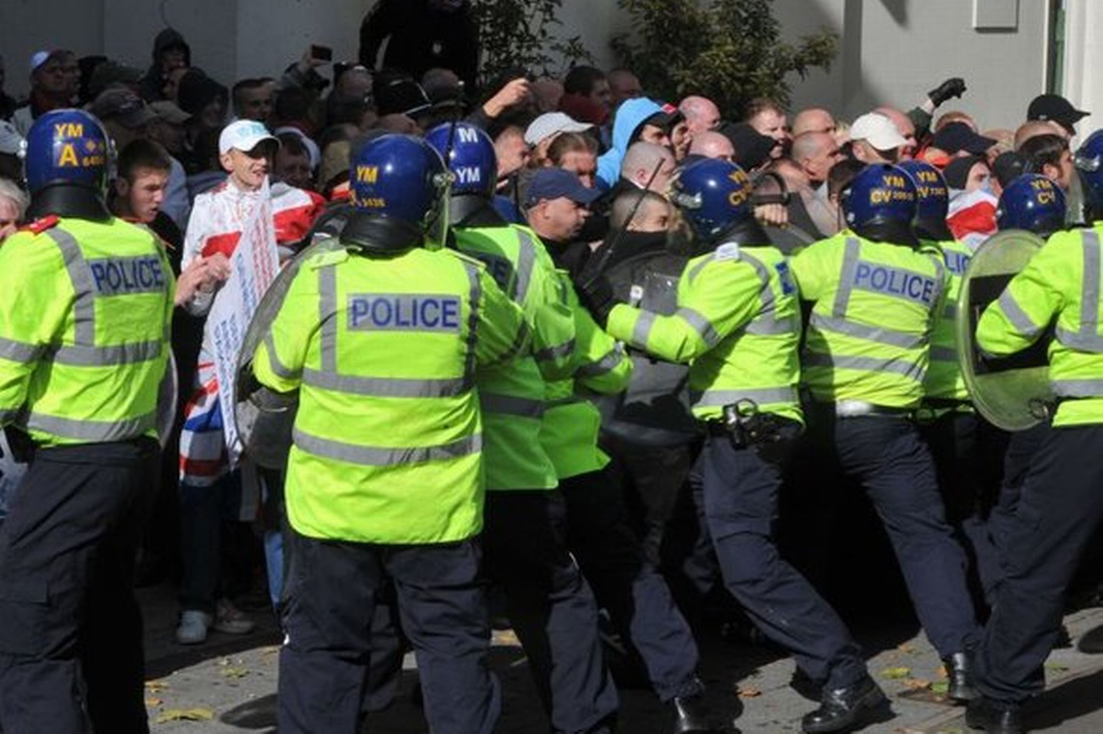 EDL Walsall protest (7)