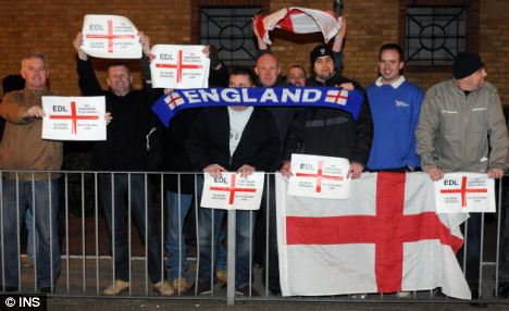 EDL protest against Camberley mosque