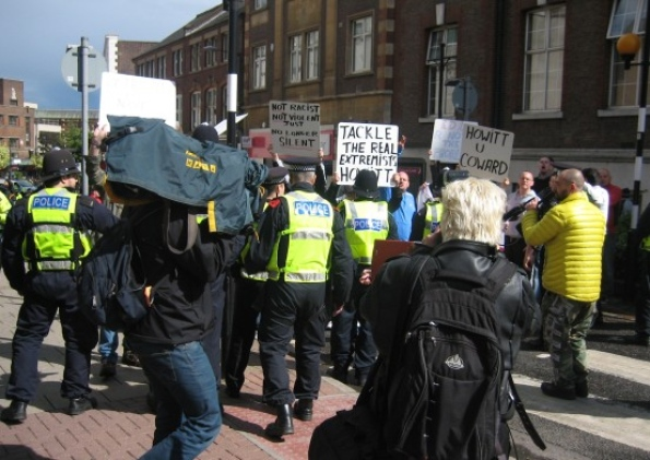 EDL protest against Luton anti-racist meeting