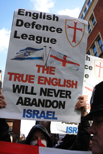 The English Defence League (EDL) rallied outside the Israeli embassy with Orthodox Rabbi Nachum Shifren from L.A. The hope is that a connection will be forged between the EDL and the Tea Party in America. London, United Kingdom, 24/10/2010.