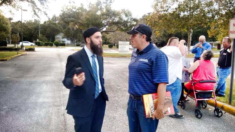 Hassan Shibly at Volusia school textbook protest