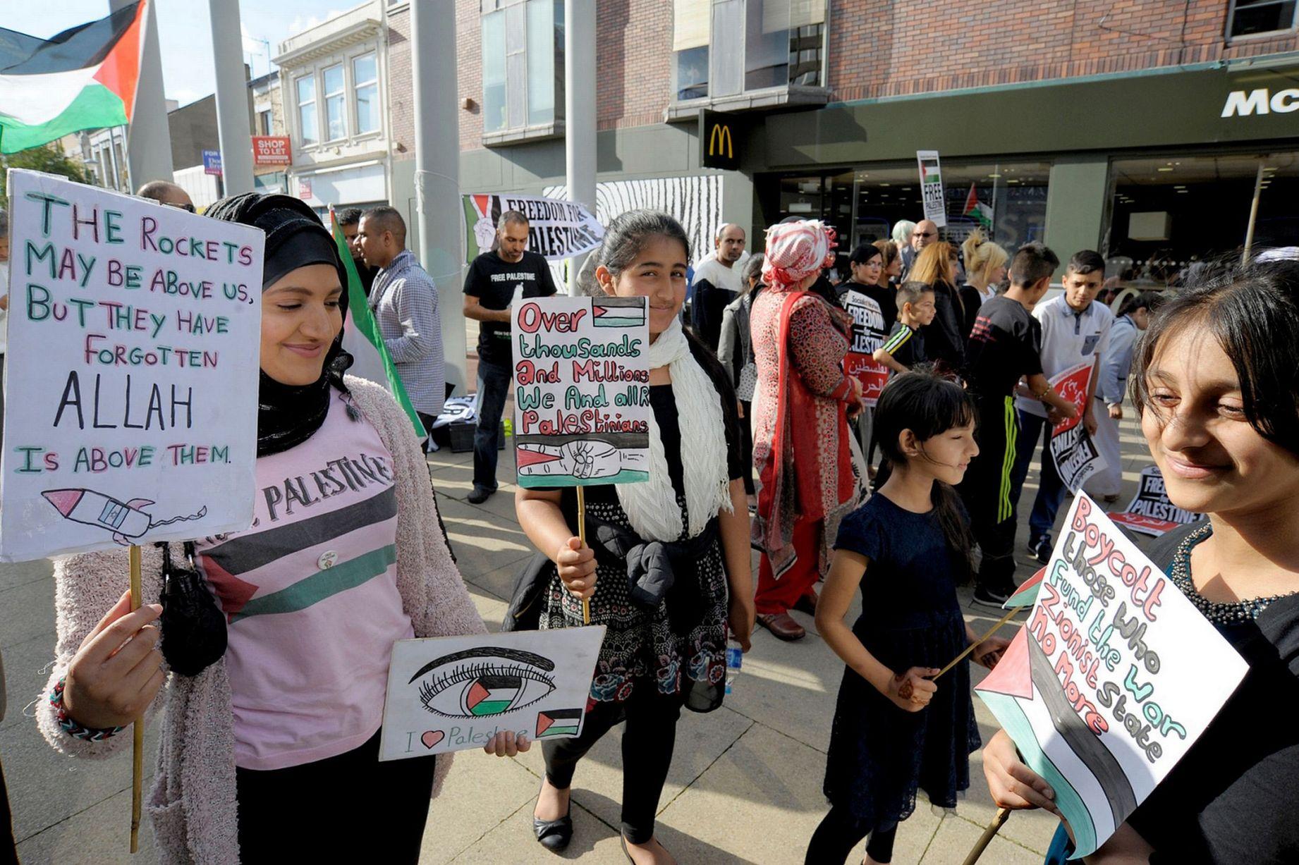 Palestine Solidarity vigil in Middlesbrough