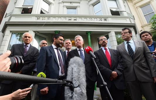 Peter Robinson with Muslim leaders